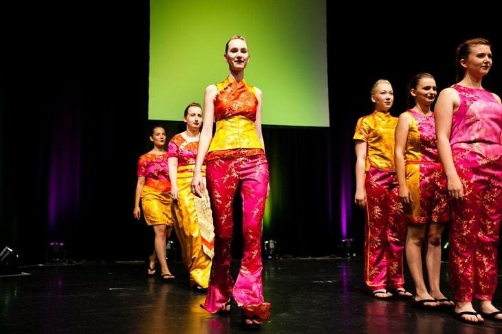 Ausbildung modedesigner balthasar neumann schule ii bruchsal for Mobeldesigner ausbildung